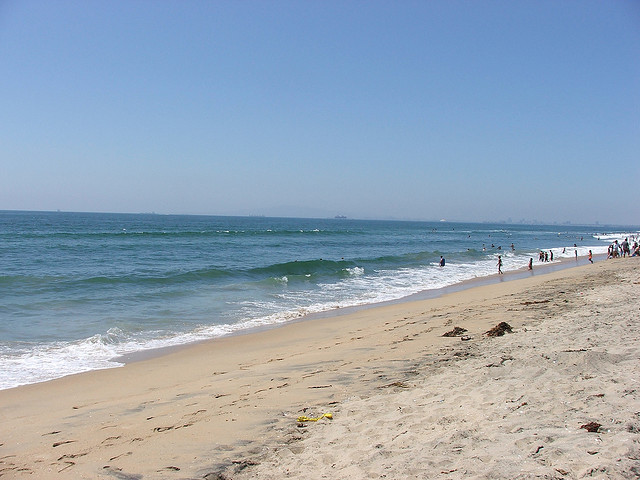 What Is The Water Temperature In Huntington Beach